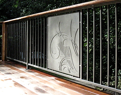 How to choose pool fencing for Pool screen privacy